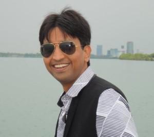 Dr. Kumar Vishwas Picture