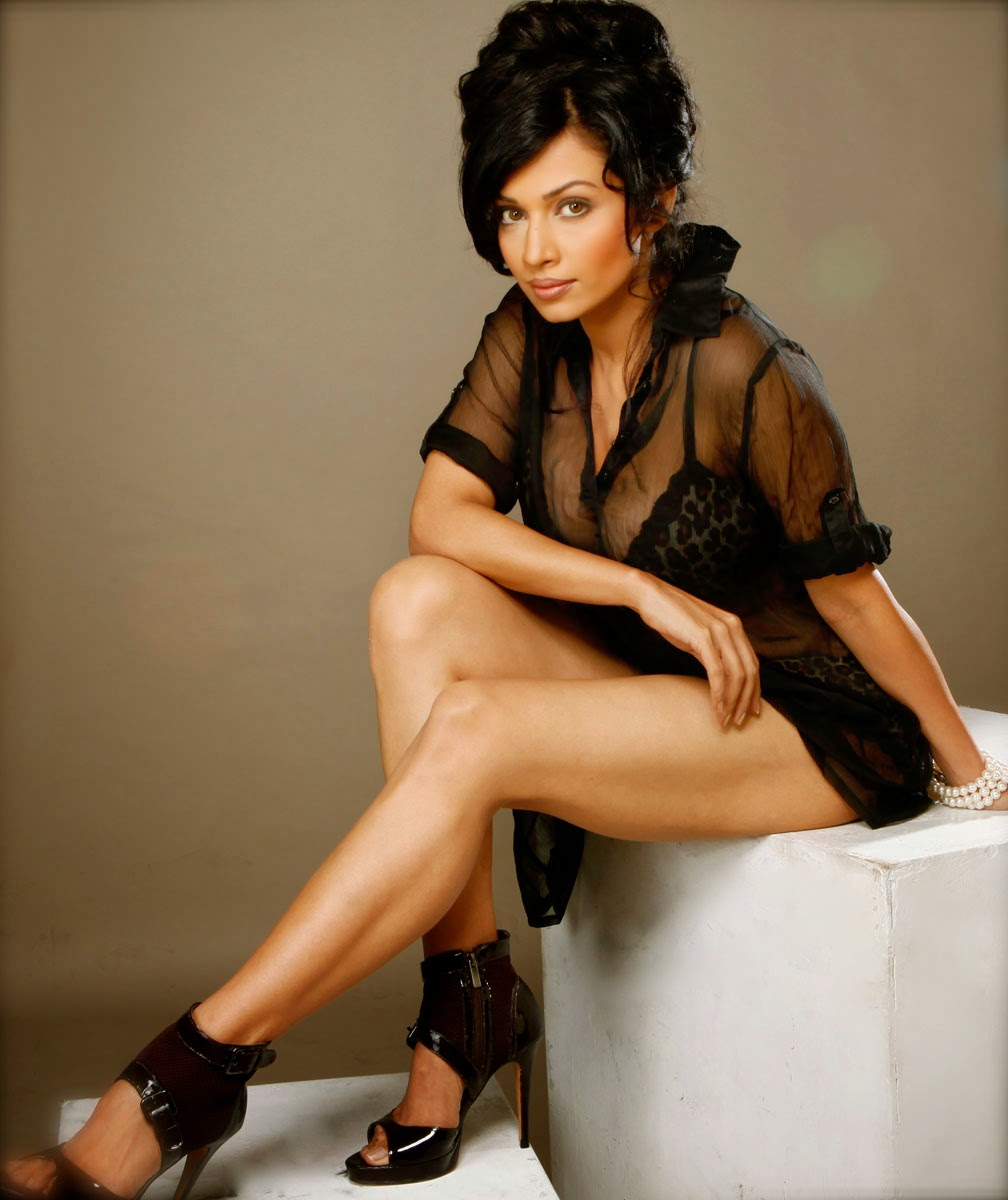 Flora Saini HD Picture