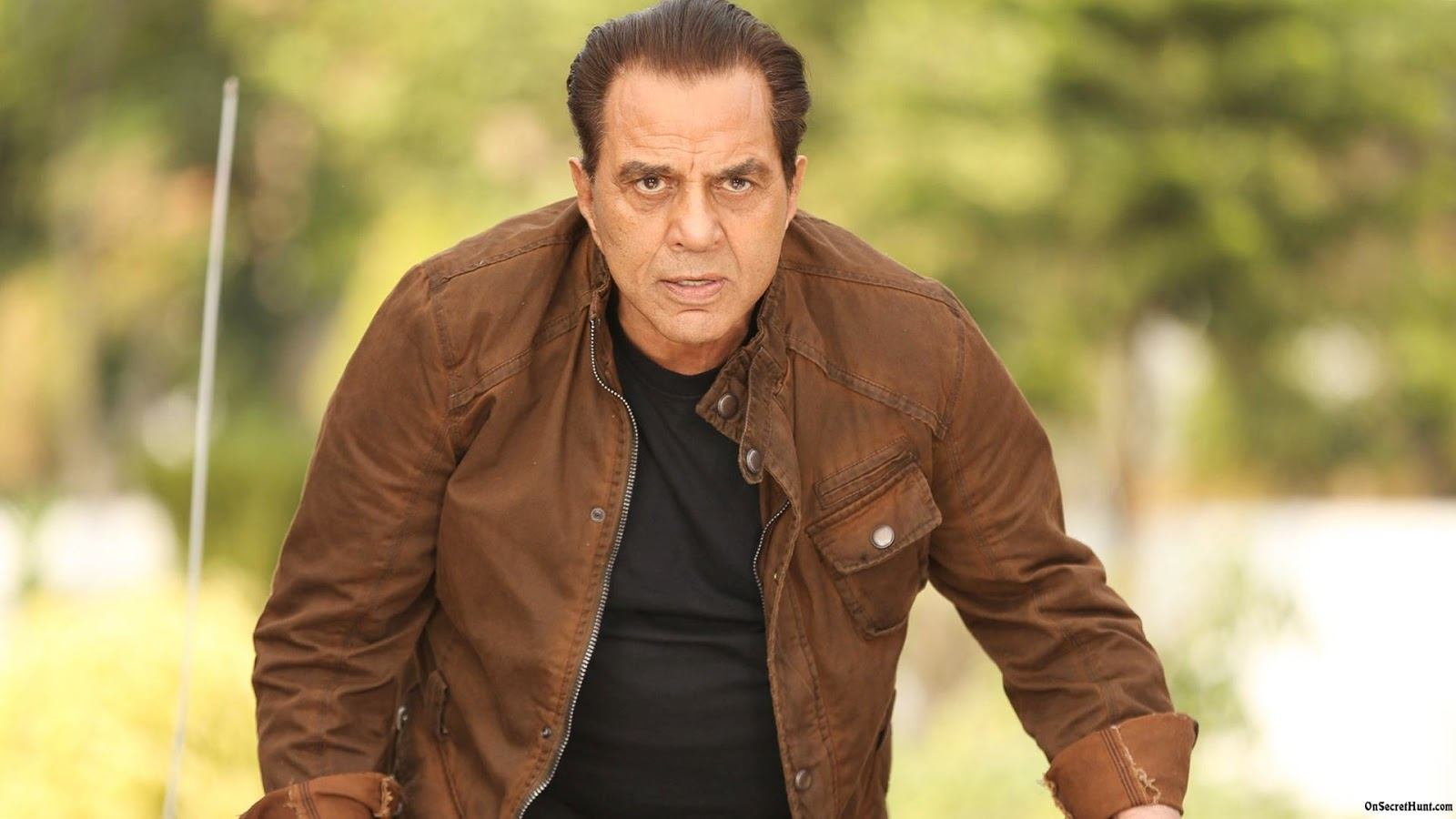 Dharmendra HD Picture