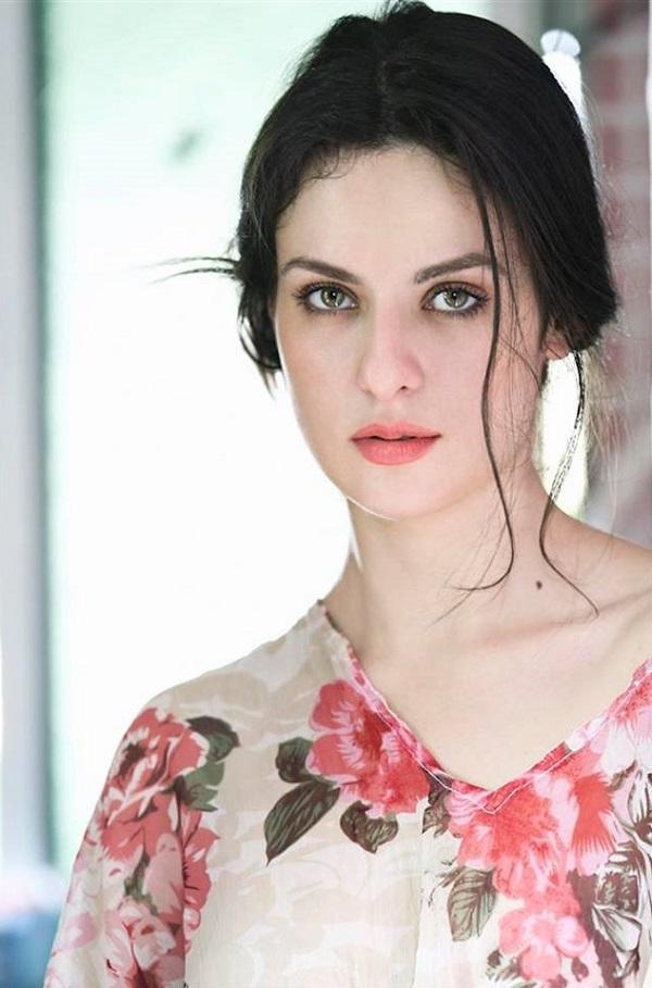 Elena Kazan HD Picture