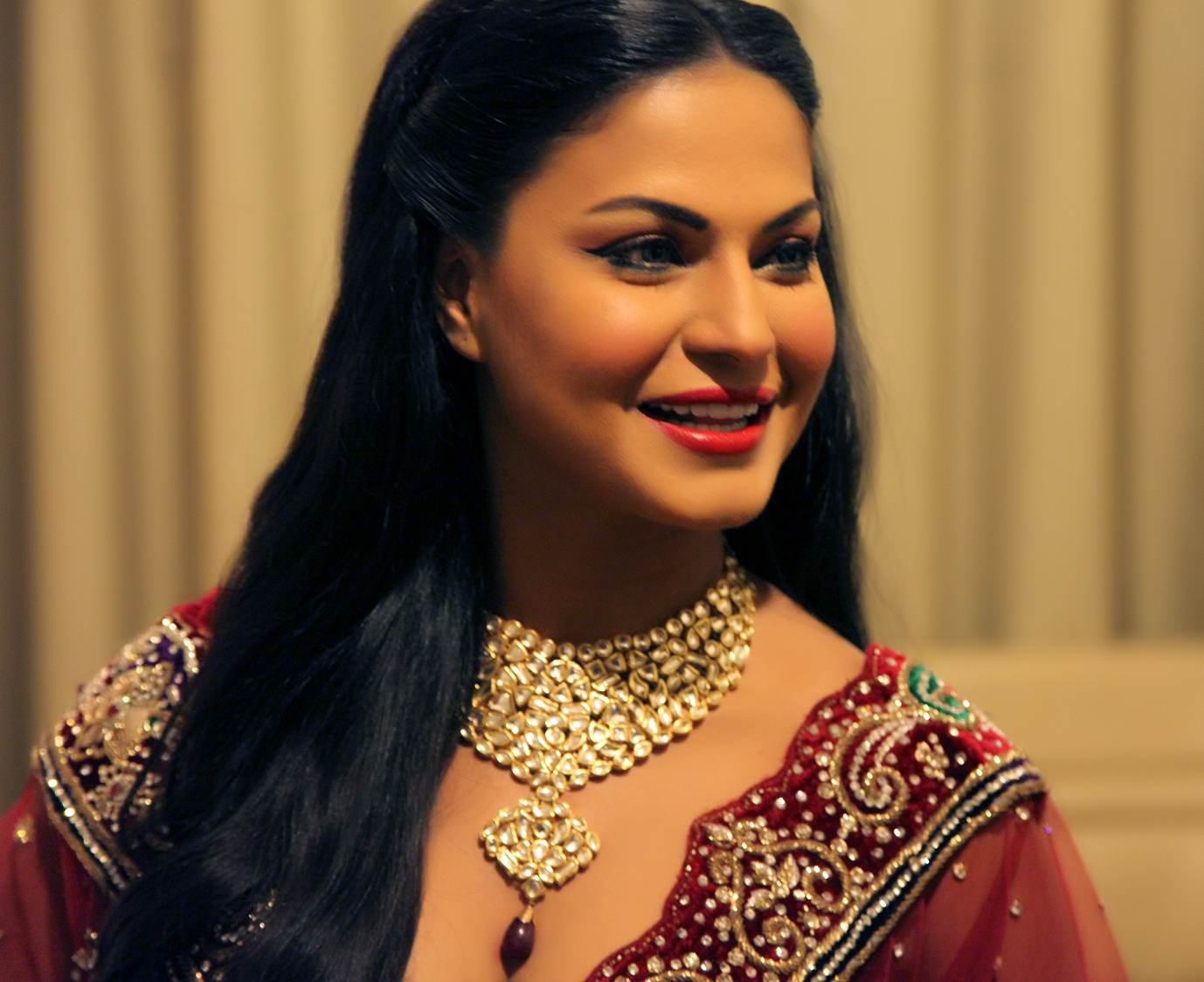 Veena Malik HD Wallpaper
