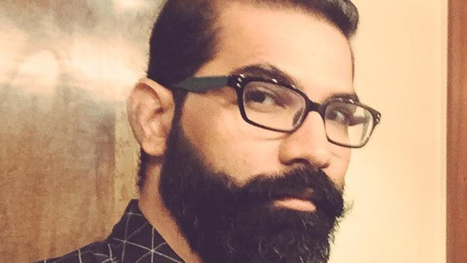 how to contact Arunabh Kumar